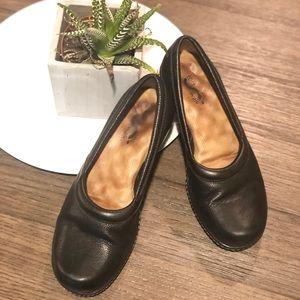 Soft walk   ortho black shoes 9.5